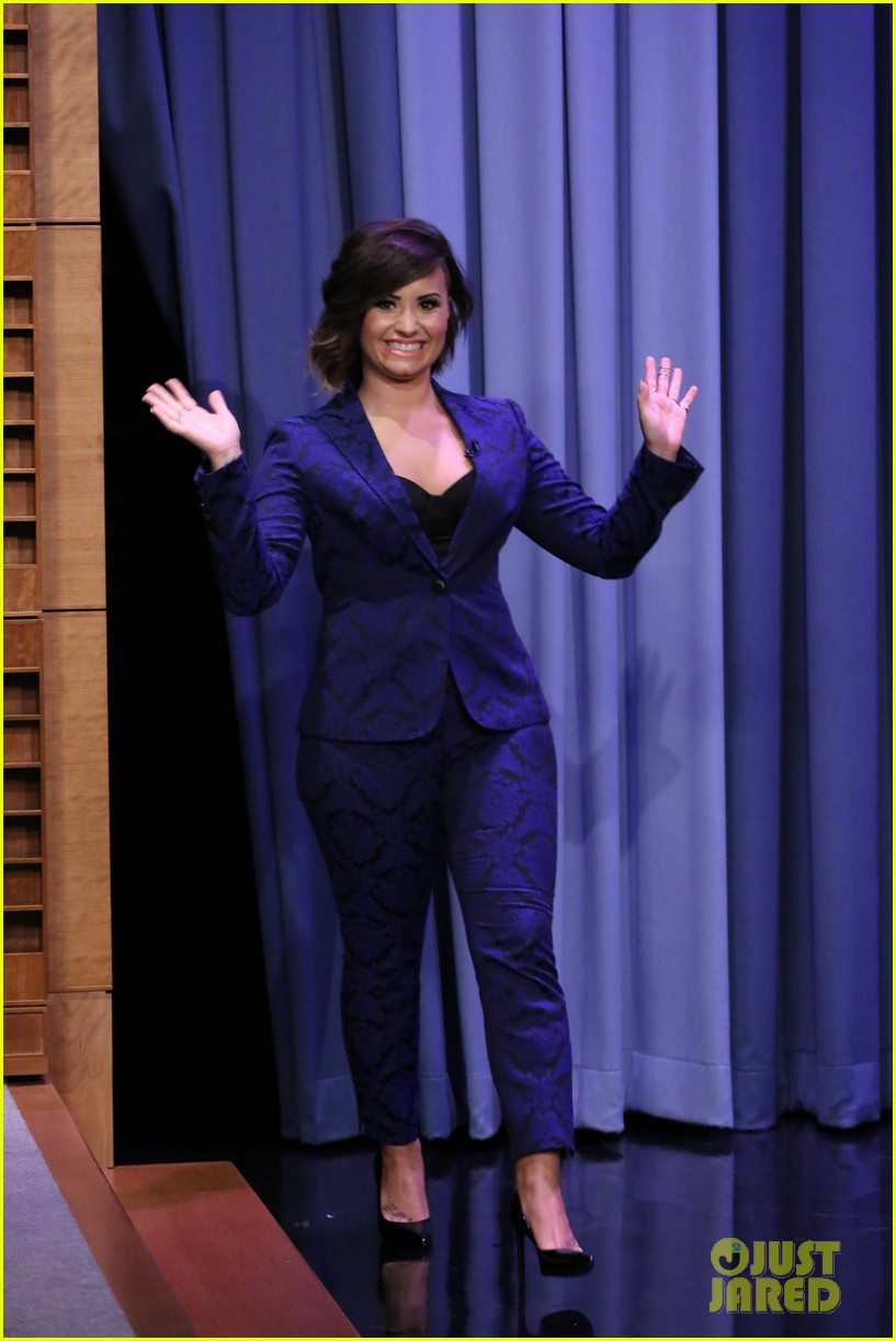 demi lovato tonight show jimmy fallon advice unqualified 01