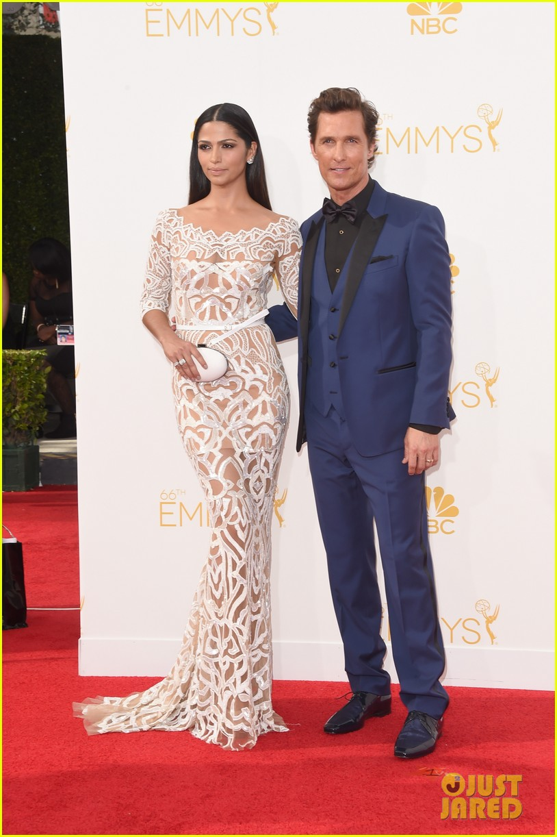matthew mcconaughey arrives at the emmys 2014 01