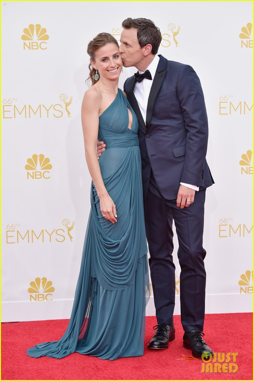 seth meyers hits red carpet before hosting duties emmys 2014 02