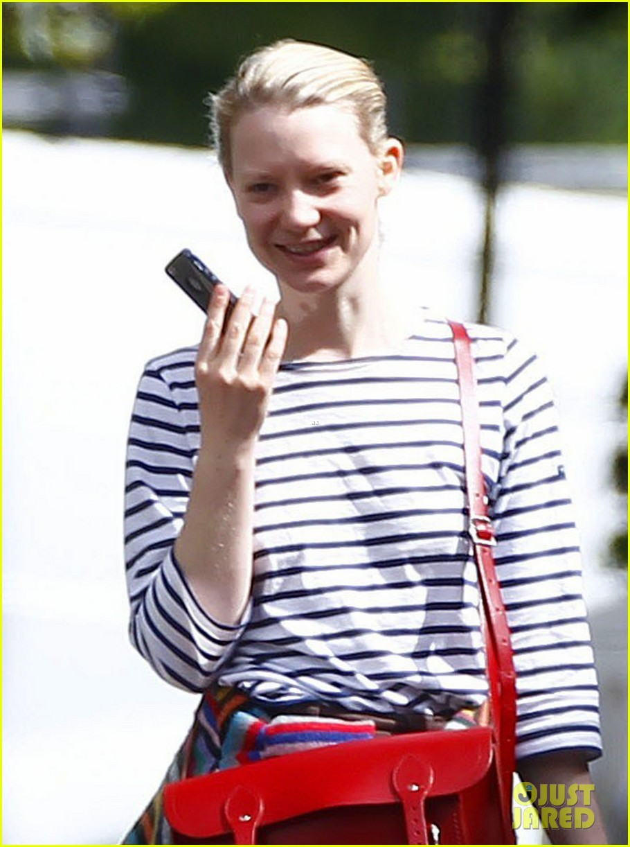 mia wasikowska funny phone call london coffee 06
