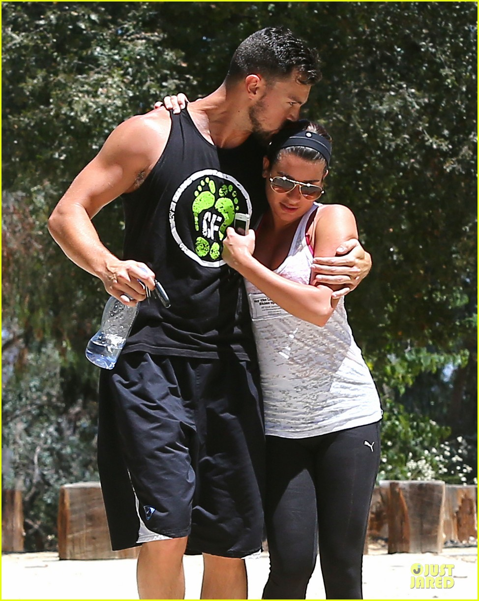 lea michele sweet kiss from matthew paetz 023171177