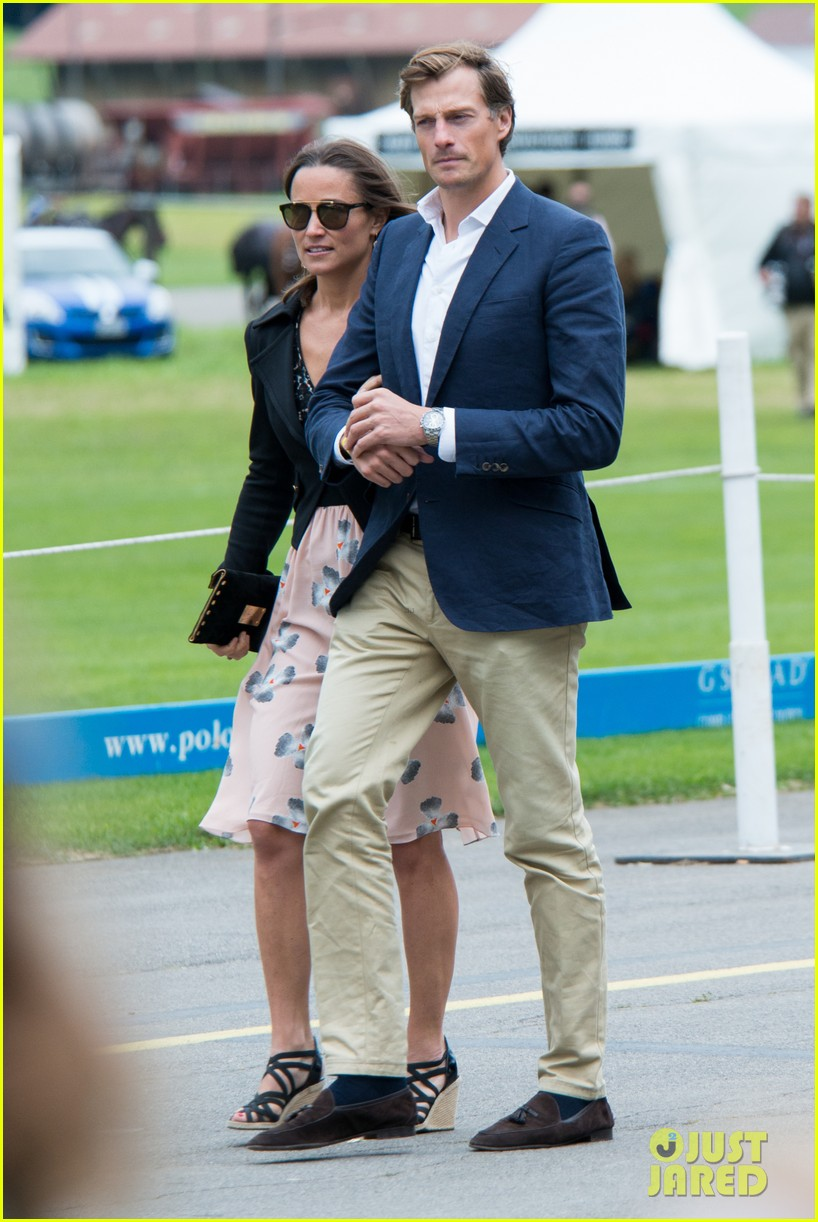 pippa middleton nico jackson enjoy romantic weekend holiday 01