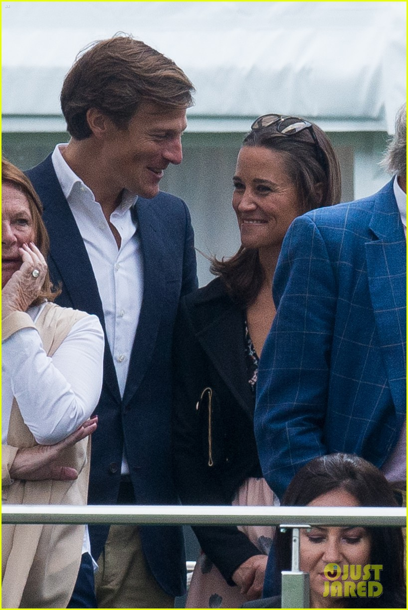 pippa middleton nico jackson enjoy romantic weekend holiday 02