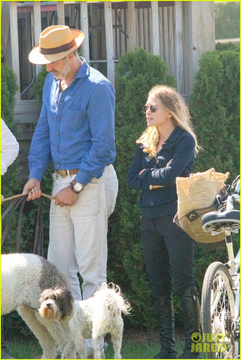ashley olsen mary kate olsen hamptons trip 073185301
