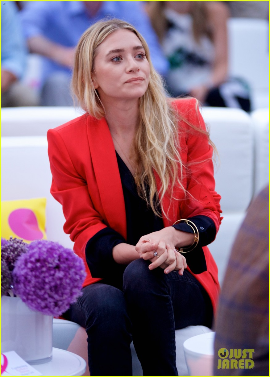 mary kate ashley olsen party pink hamptons 043178194