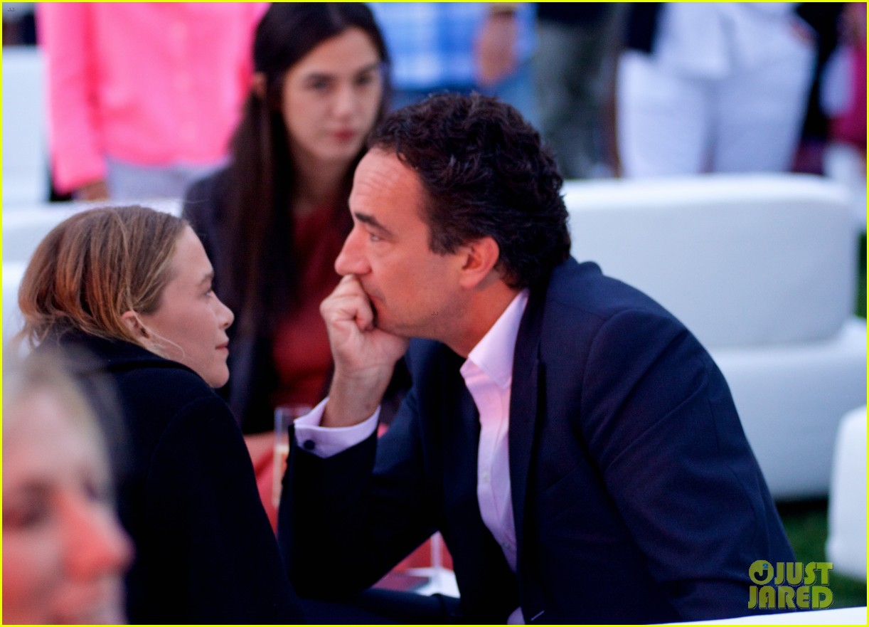 mary kate ashley olsen party pink hamptons 12