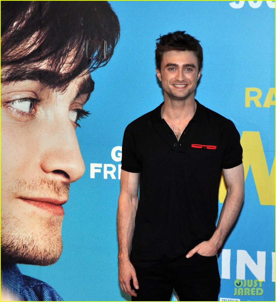 daniel radcliffe pose with fans what if dublin ireland 233177412
