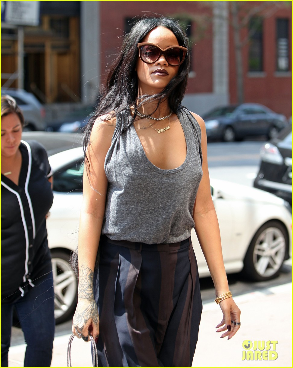 rihanna goes braless in new york city 01