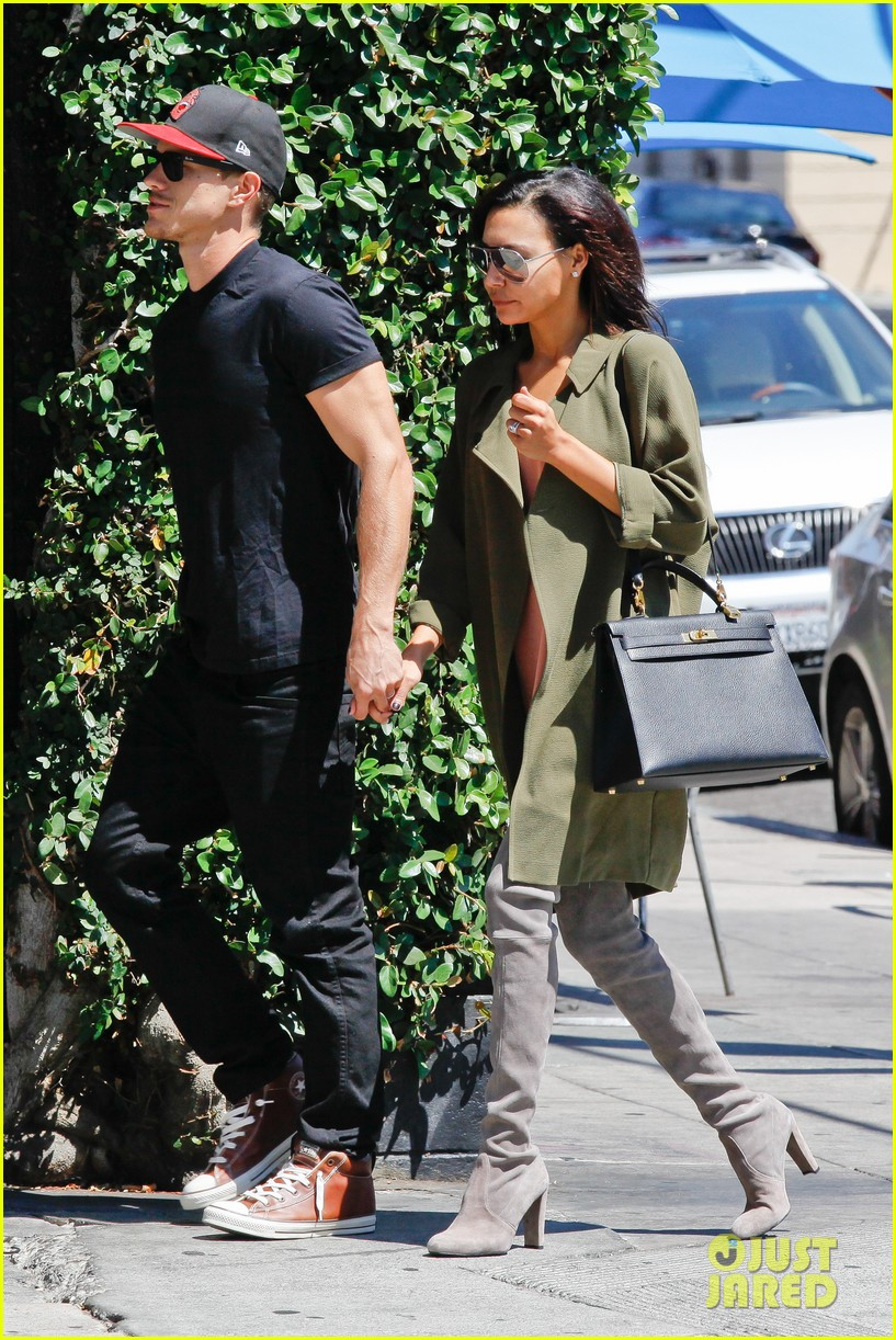 naya rivera ryan dorsey hold hands birds cafe 073180272