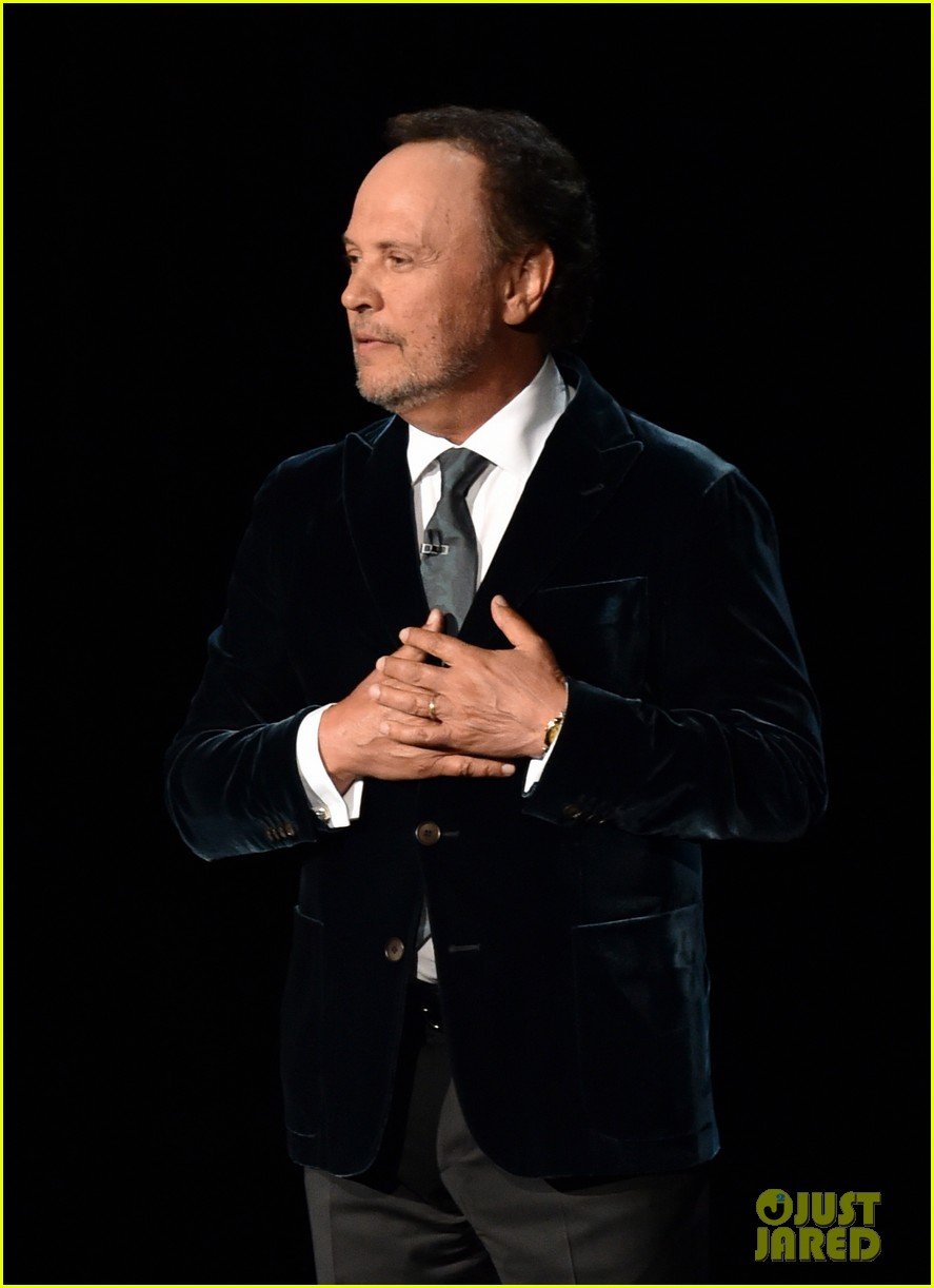 robin williams emmys tribute from billy crystal 03
