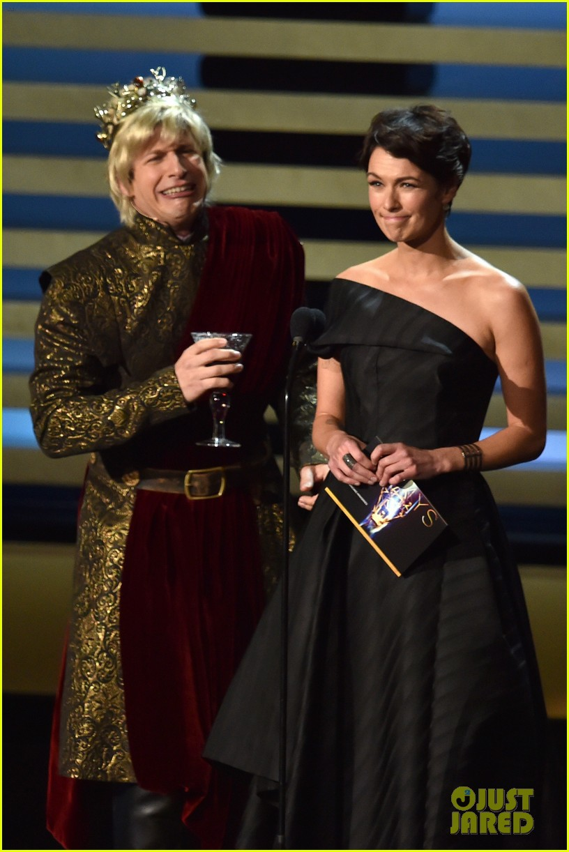 andy samberg plays game of thrones joffrey on stage at the emmys 2014 063183812