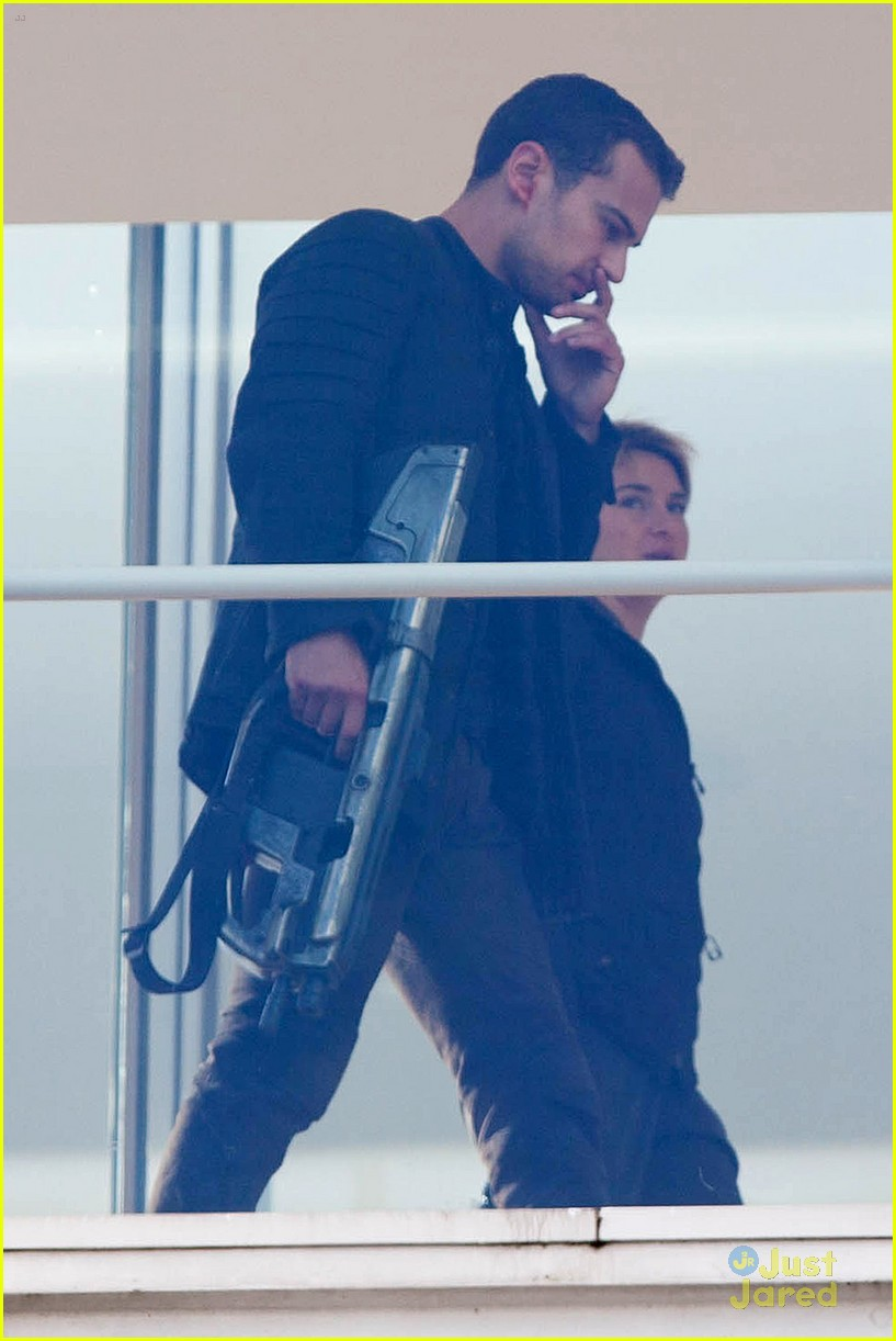 shailene woodley theo james insurgent set filming 063184135