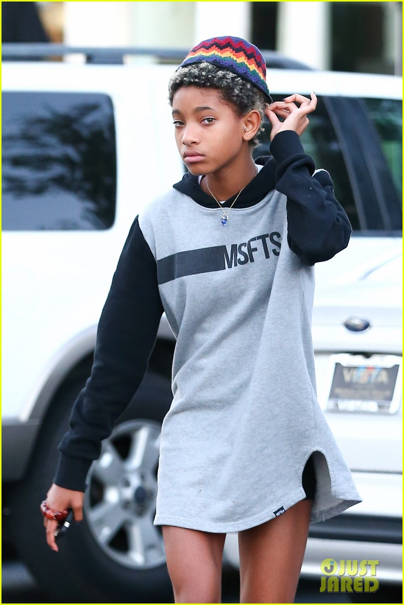 willow smith reps jadens clothing line 04