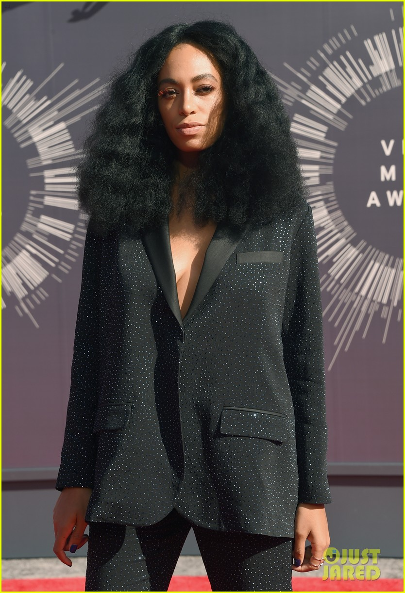 solange knowles supports beyonce at mtv vmas 2014 043182303