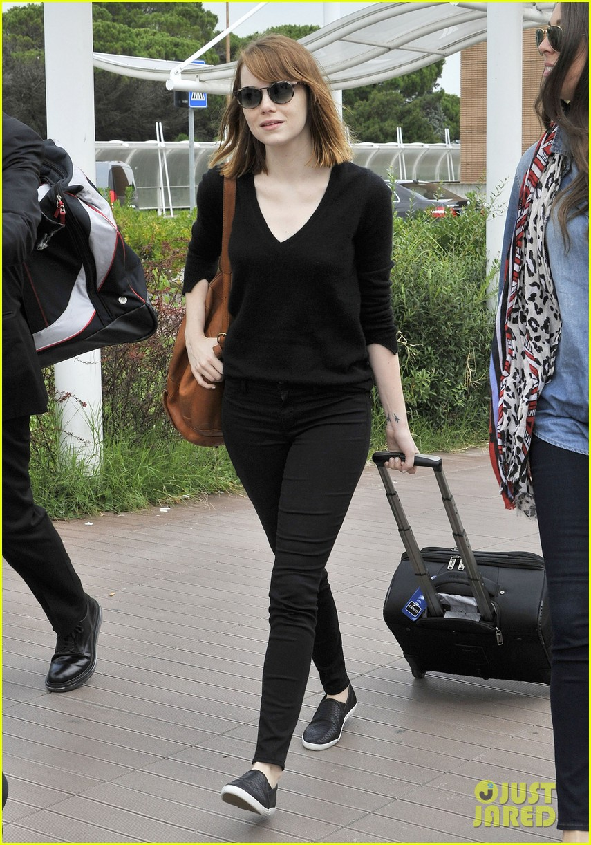 emma stone arrives for venice film festival for birdman opening 013184195