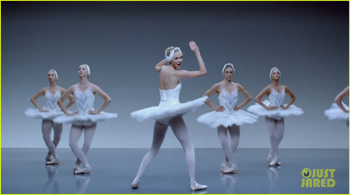 taylor swift shake it off music video 023178781
