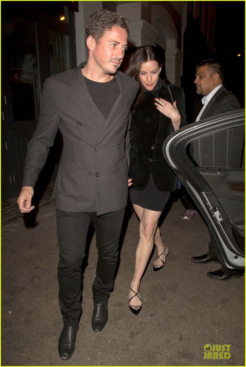 liv tyler dave gardner hold hands in london 093177532