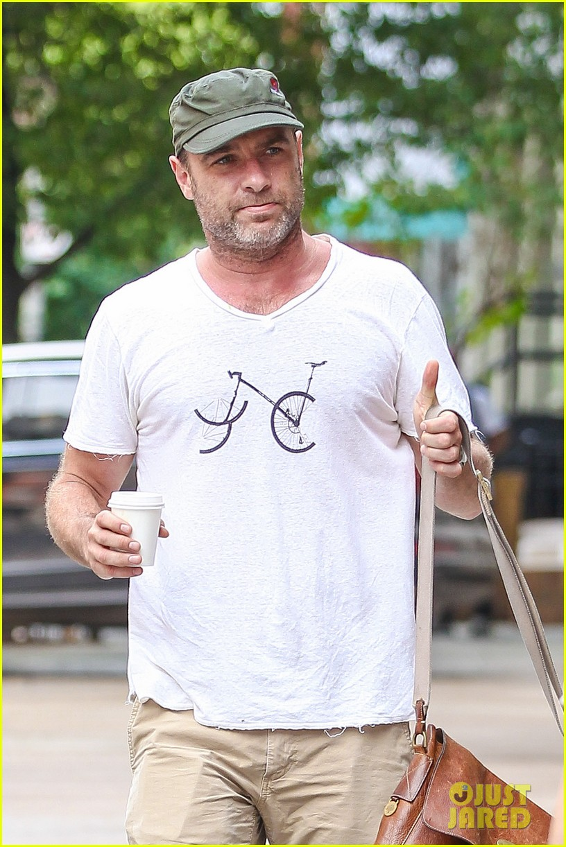 liev schreiber makes television directorial debut this sunday 02