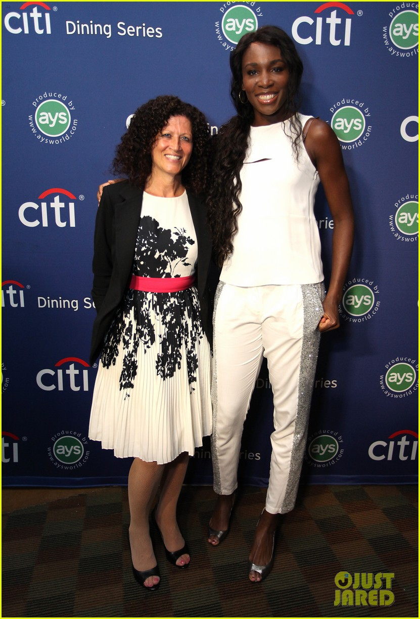 serena williams cooks up a storm at the taste of tennis gala 2014 083180813