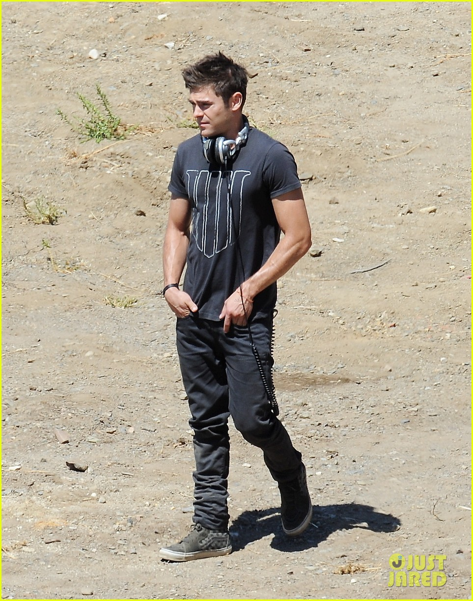 zac efron tree desert we are your friends set 063180415