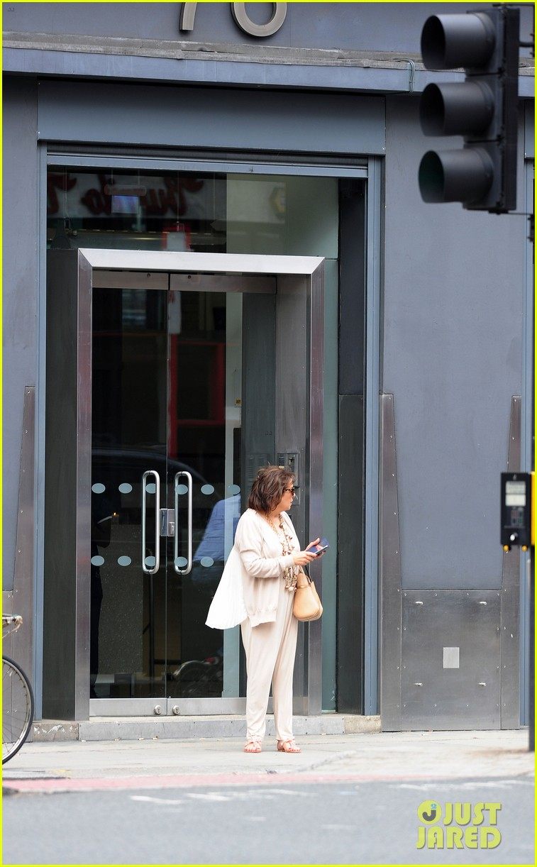 amal alamuddin goes for a fitting at alexander mcqueen 183189378