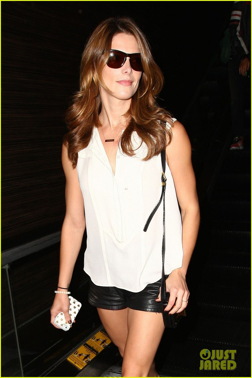 ashley greene flaunts toned legs lax 01