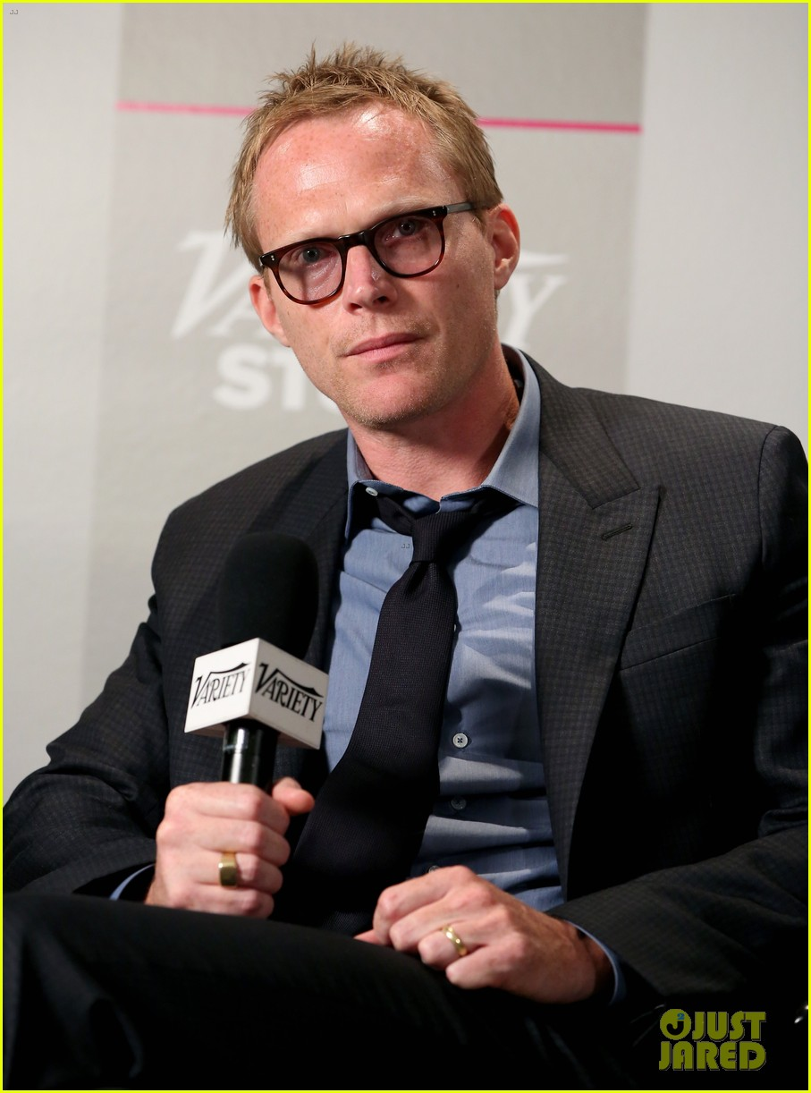 http://cdn04.cdn.justjared.com/wp-content/uploads/2014/09/connelly-everything/jennifer-connelly-paul-bettany-everything-on-shelter-08.jpg