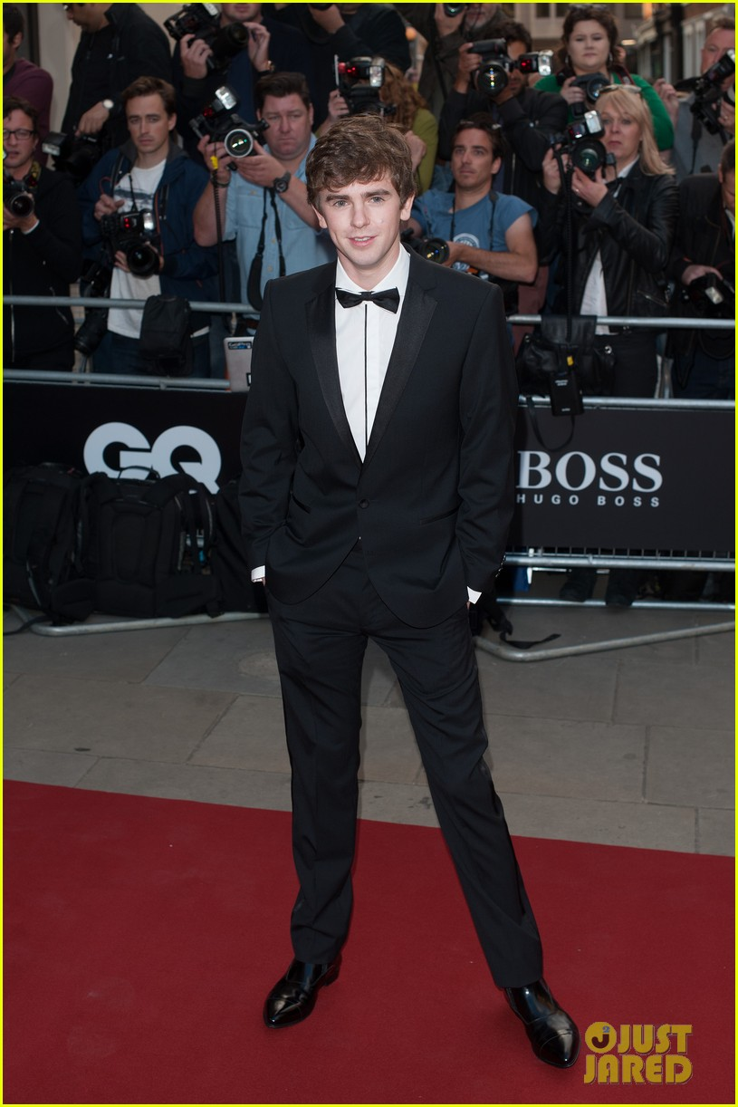 benedict cumberbatch douglas booth gq men of the year awards 2014 05