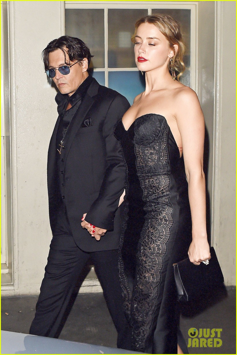 johnny depp amber heard hold hands gq men of the year awards 07