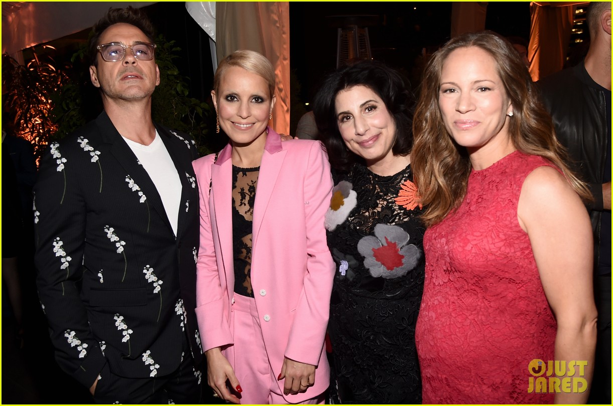 robert downey jr noomi rapace cocktail party 14