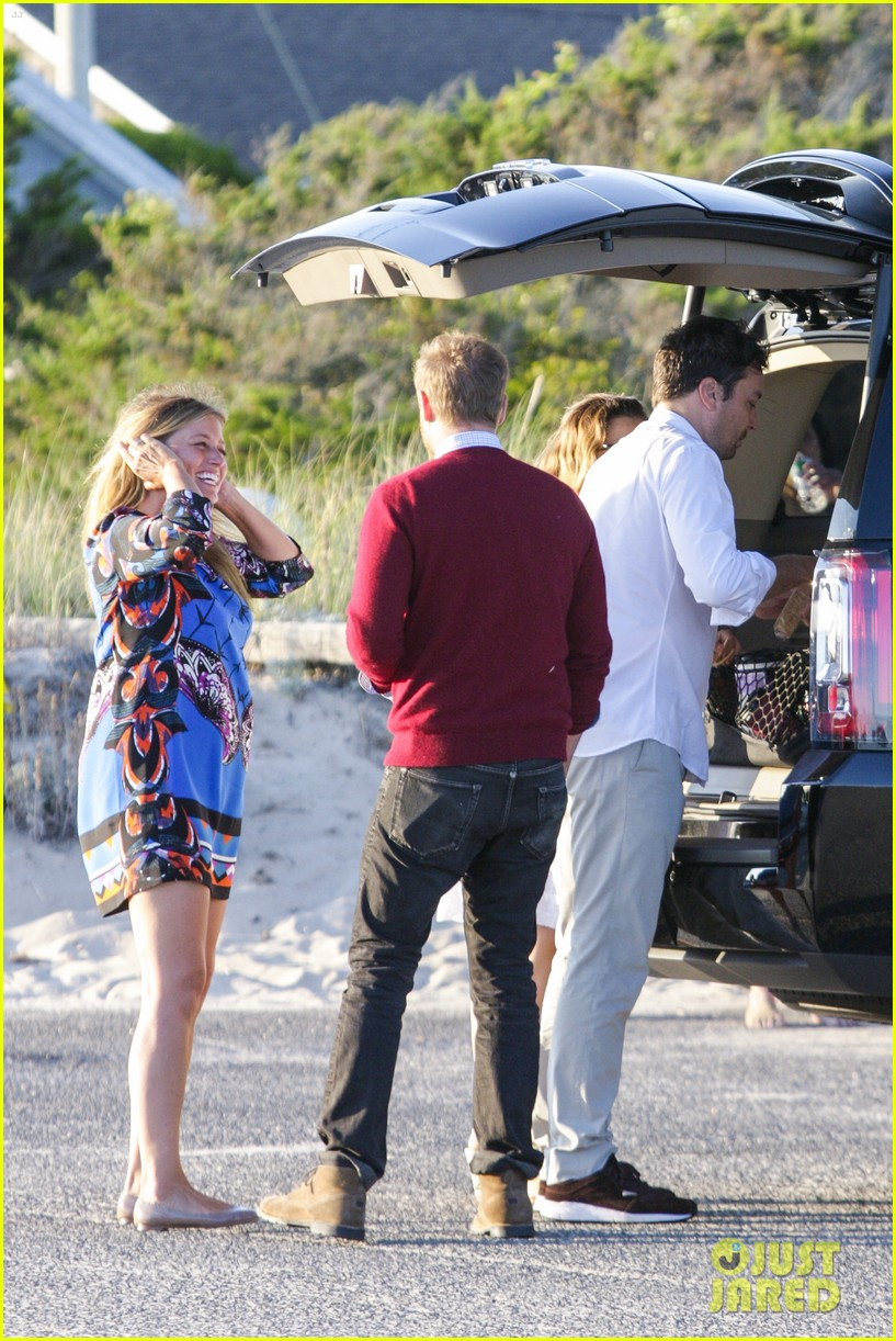 drew barrymore jimmy fallon hang in the hamptons on labor day weekend 063187225