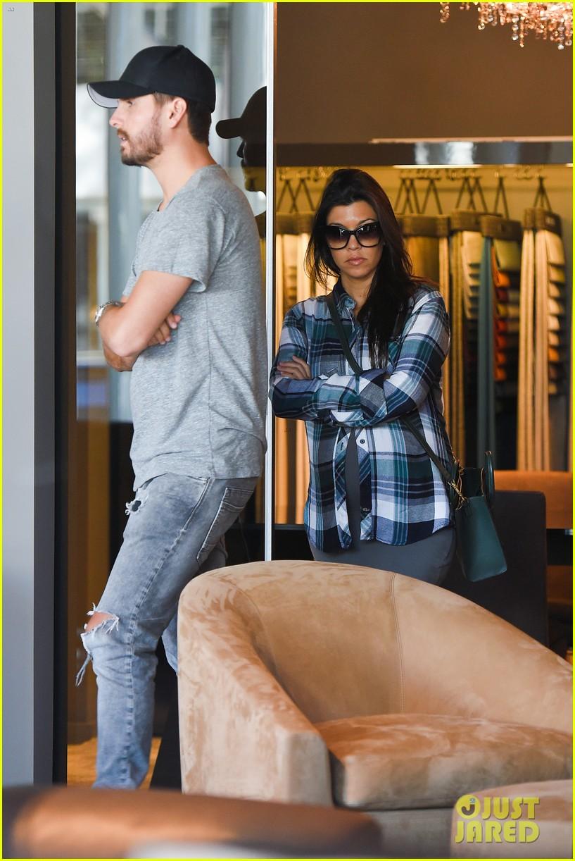 Good Kourtney Kardashian U0026 Scott Disick Go Furniture Shopping For Expanding  Family
