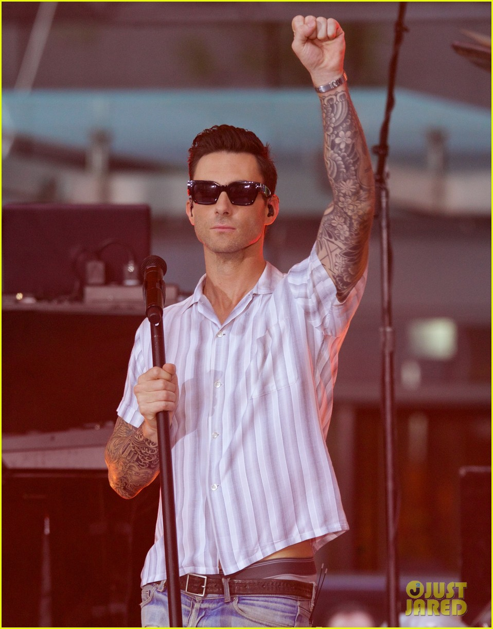 adam levine performs maps with maroon 5 today show 073187435