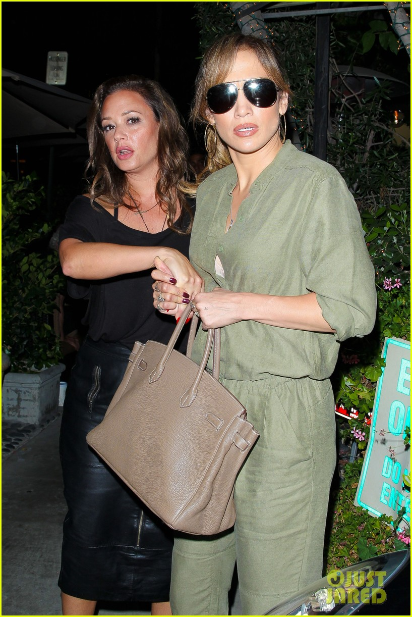 jennifer lopez steps out with bestie leah remini for ladies night 01