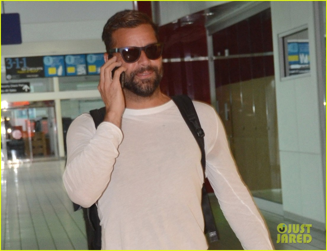 ricky martin wants to add a baby girl to his family 033187901