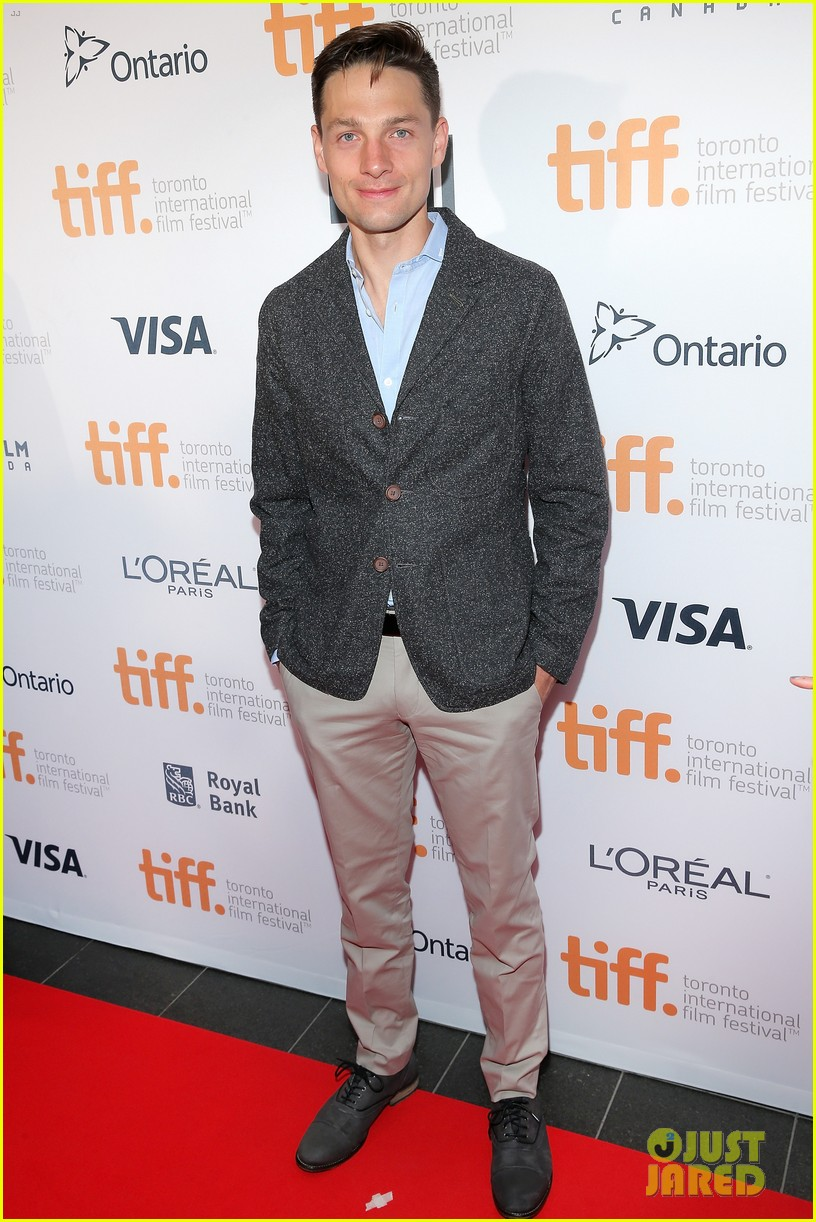 piper perabo gabriel macht put on their best for the tiff gala 2014 09