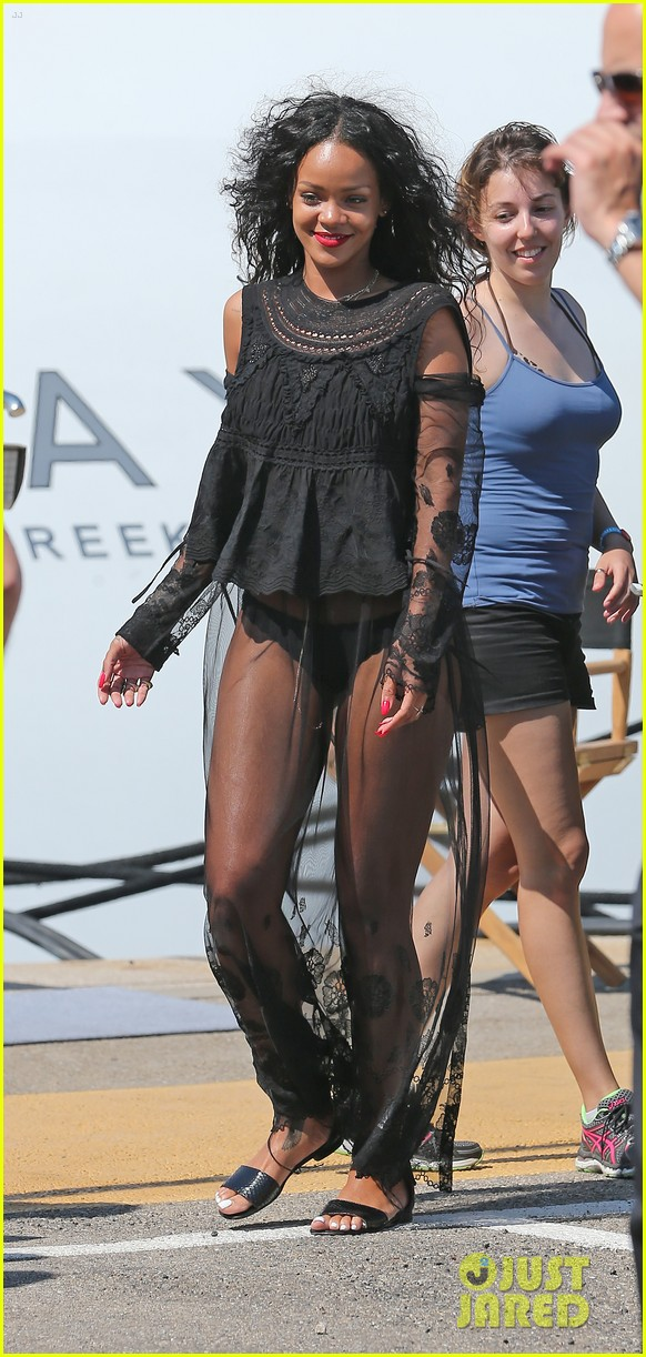 rihanna wears see through cover up on vacation 04