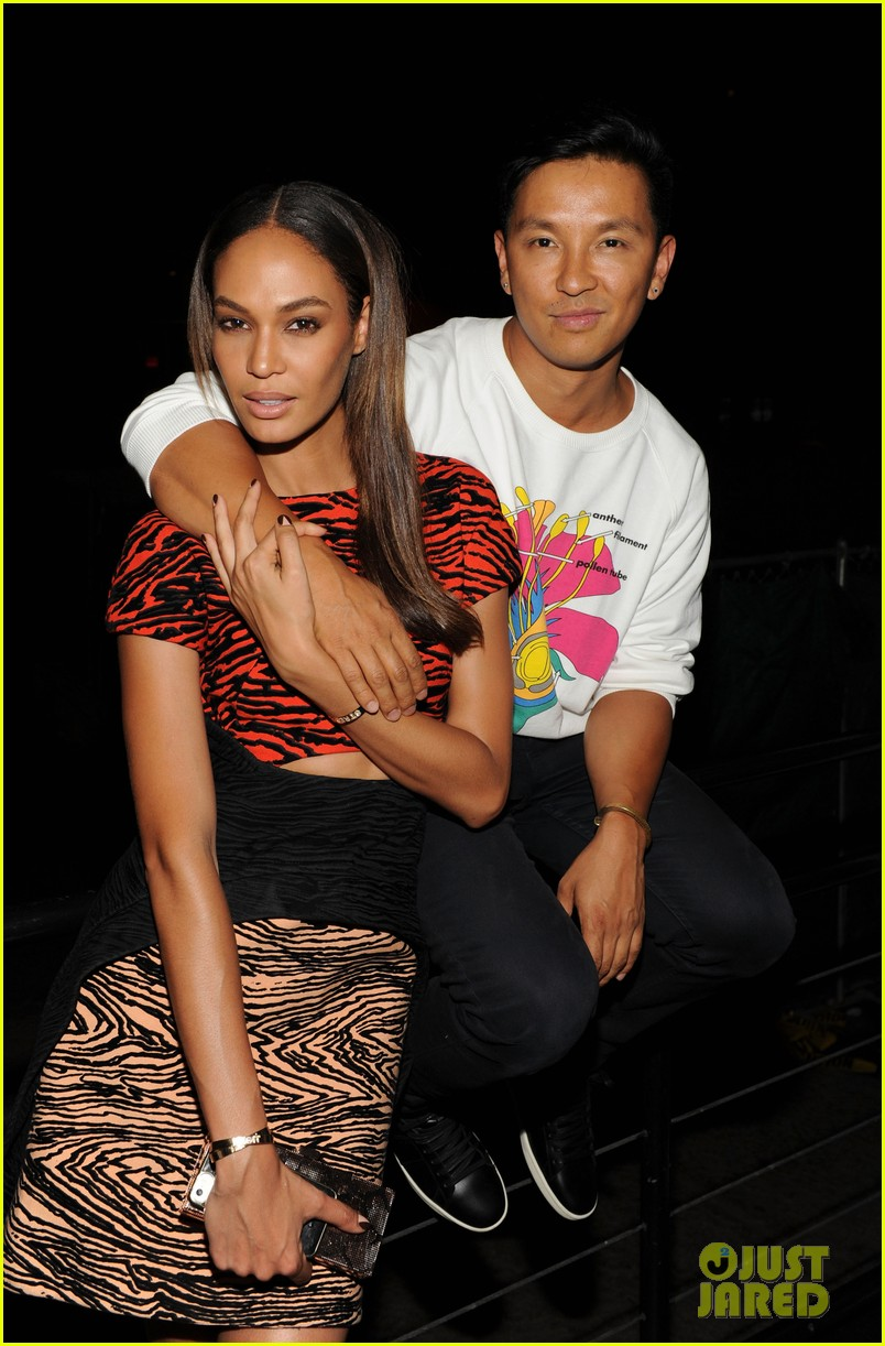 anne v joan smalls support jennifer fischer during nyfw 093189577