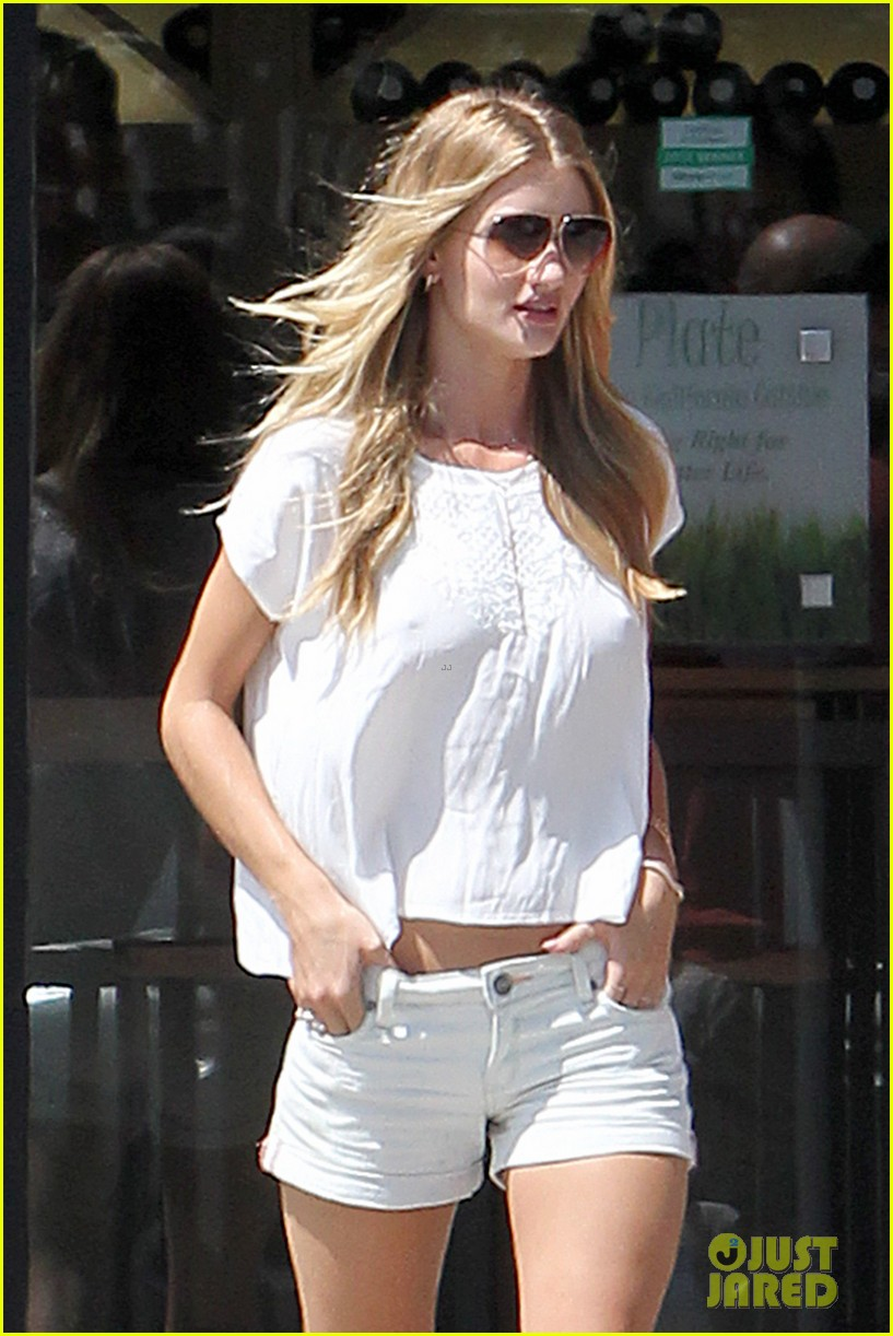 rosie huntington whiteley jason statham grab brunch in malibu 023187723