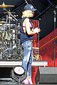 gwen stefani pink bra global festival soundcheck 26
