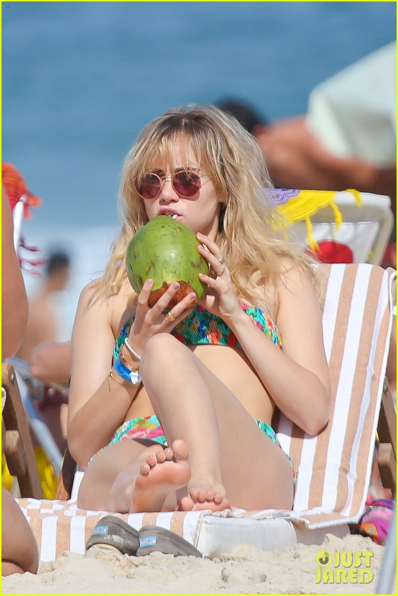 suki waterhouse retro bikini rio 14