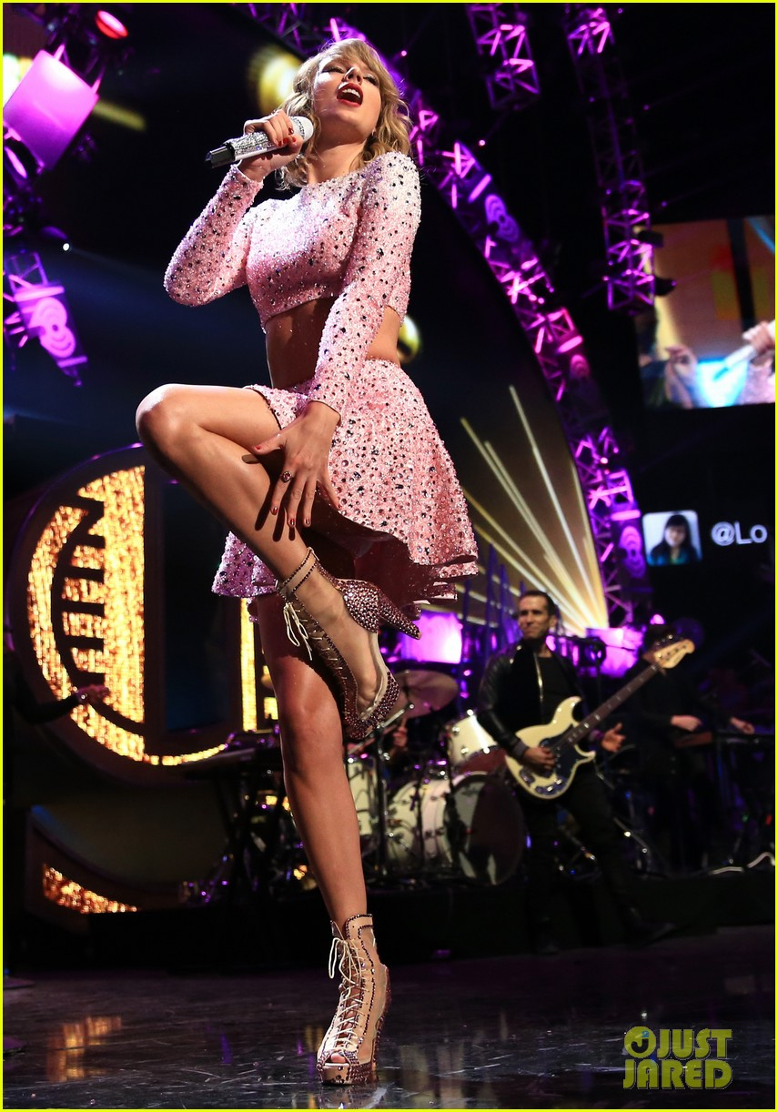 Taylor Swift Performs At Iheartradio Music Festival 2014 Video