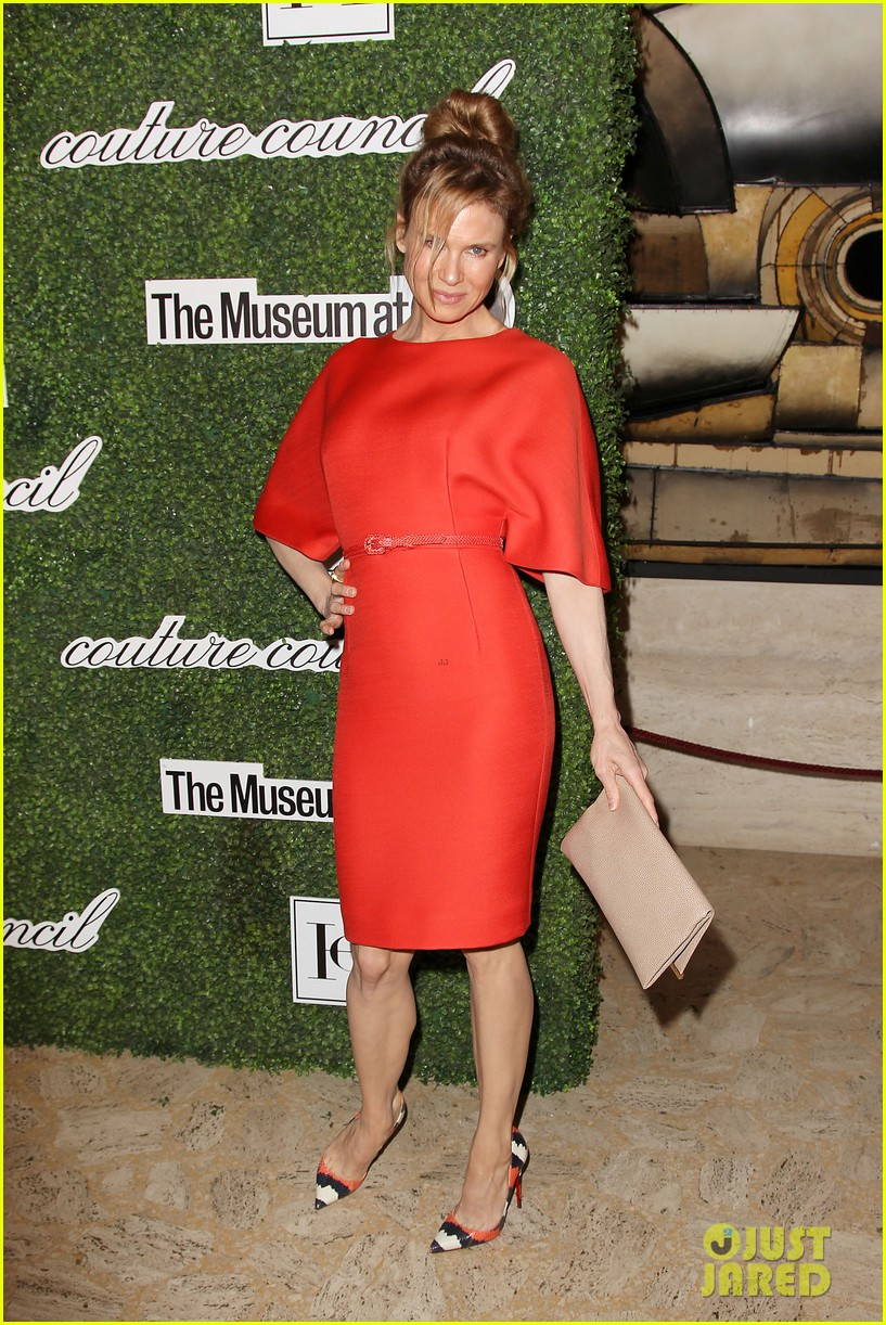 renee zellweger lucy liu honors carolina herrera 113188689