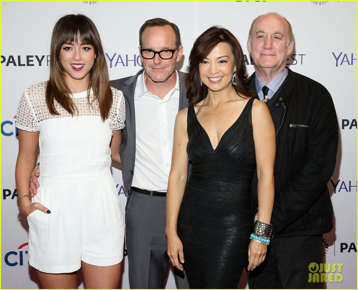chloe bennet gets all dolled up for agents of s h i e l d paleyfest 033222908