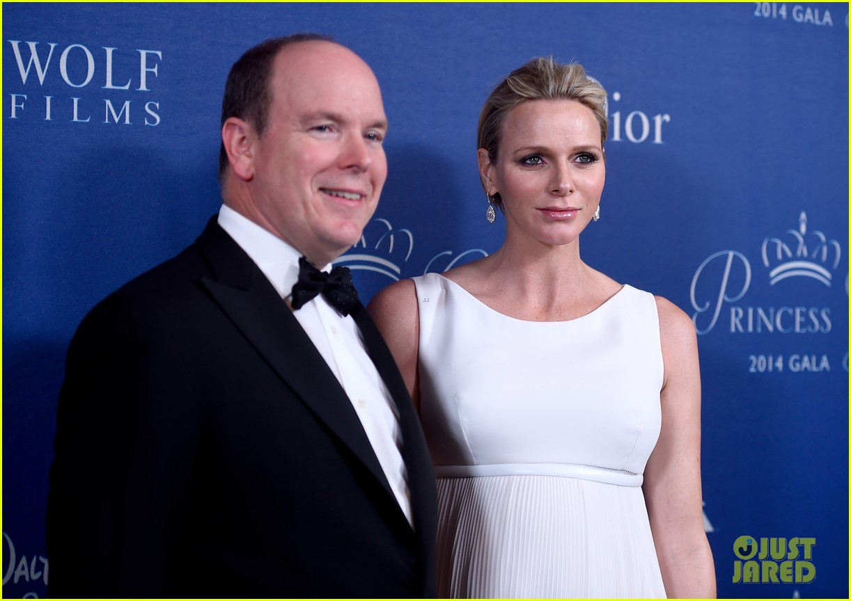 princess charlene hits the red carpet is pregnant with twins 053214416
