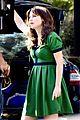 zooey deschanel goes green for new girl 13