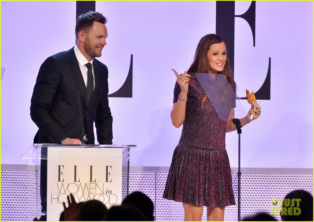 ... Ben Affleck Only Gets Asked About 'Tits' on the 'Blurred Lines' Girl