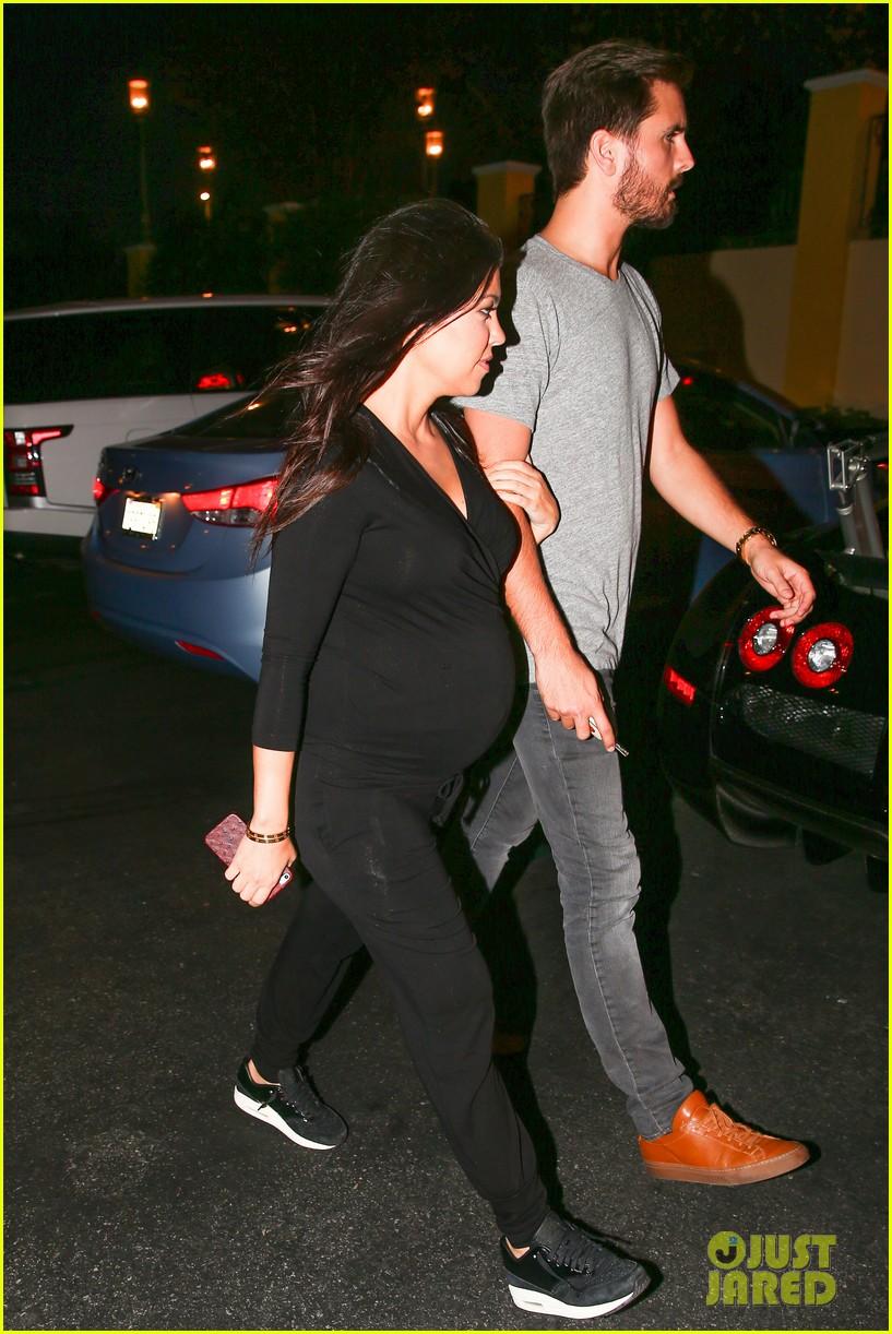 Kourtney Kardashian Looks Very Pregnant on Date Night with ...