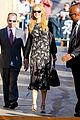 nicole kidman classy appeal attracts crowd at jimmy kimmel 03