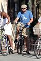 leonardo dicaprio keeps the environment in mind with his bicycle 16